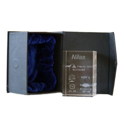 Dåbs søjle i lasergraveret glas 6X6X9 cm.