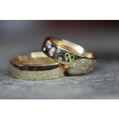 Vielsesringe i 14 karat alm guld Grøn hjerte ( Par priser se billede)