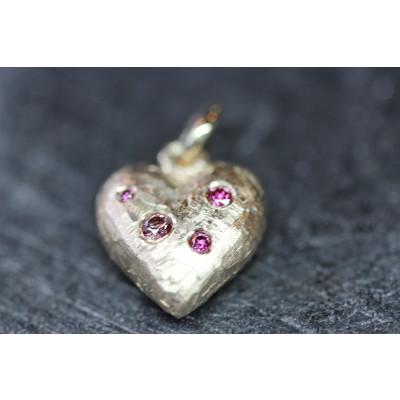 Massivt hjerte 13 x 13 mm 14 karat guld isat 4 pink brillanter