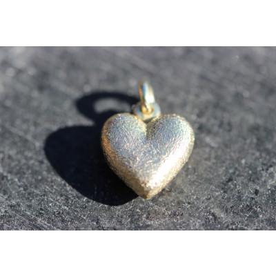 Buttet massivt hjerte i 14 karat guld