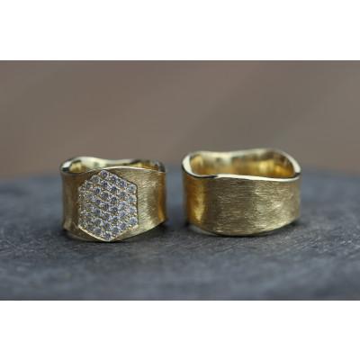Vielsesringe MG 7 Rustik i 14 karat guld med 37 sten (Parpriser se billede)    (10/19)