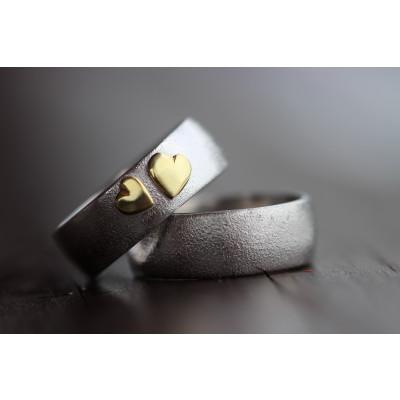 Min Vielsesring MG4 i sølv med to guld hjerter (Parpriser se billede)