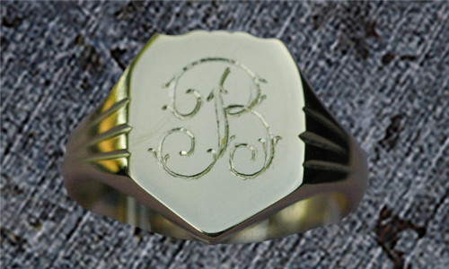 Herre signet ring kantet i  14 karat guld
