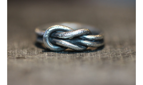 Knudering i dobbelttråd i sølv