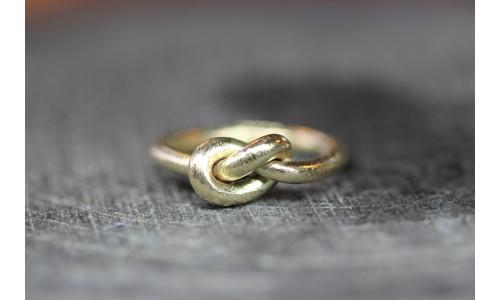 Knudering i enkelt tråd i 14 karat guld