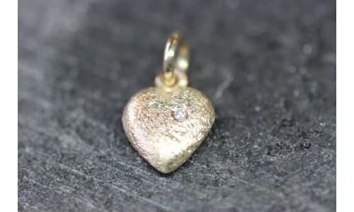 Massivt hjerte i 14 karat guld 10 x 10 mm med 0,02 carat TW.Si