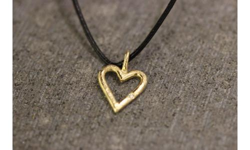 Hjerte med brillant i 14 karat guld (01/20)