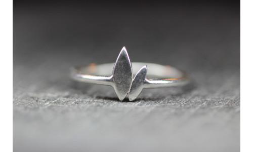 Sølvring med blade