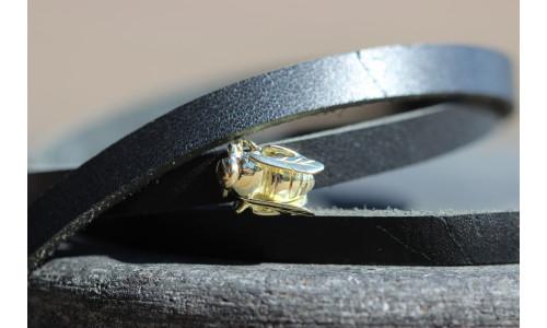 Honningbi charm i guld