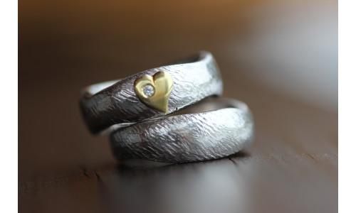Min Vielsesring i sølv med hjerte og brillant (Parpriser se billede)
