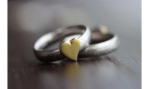 Min Vielsesring MG3 i sølv med guld hjerte (Parpriser se billede)